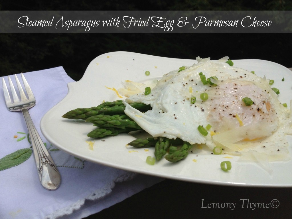 egg asparagus fried egg with asparagus and fried eggs on asparagus