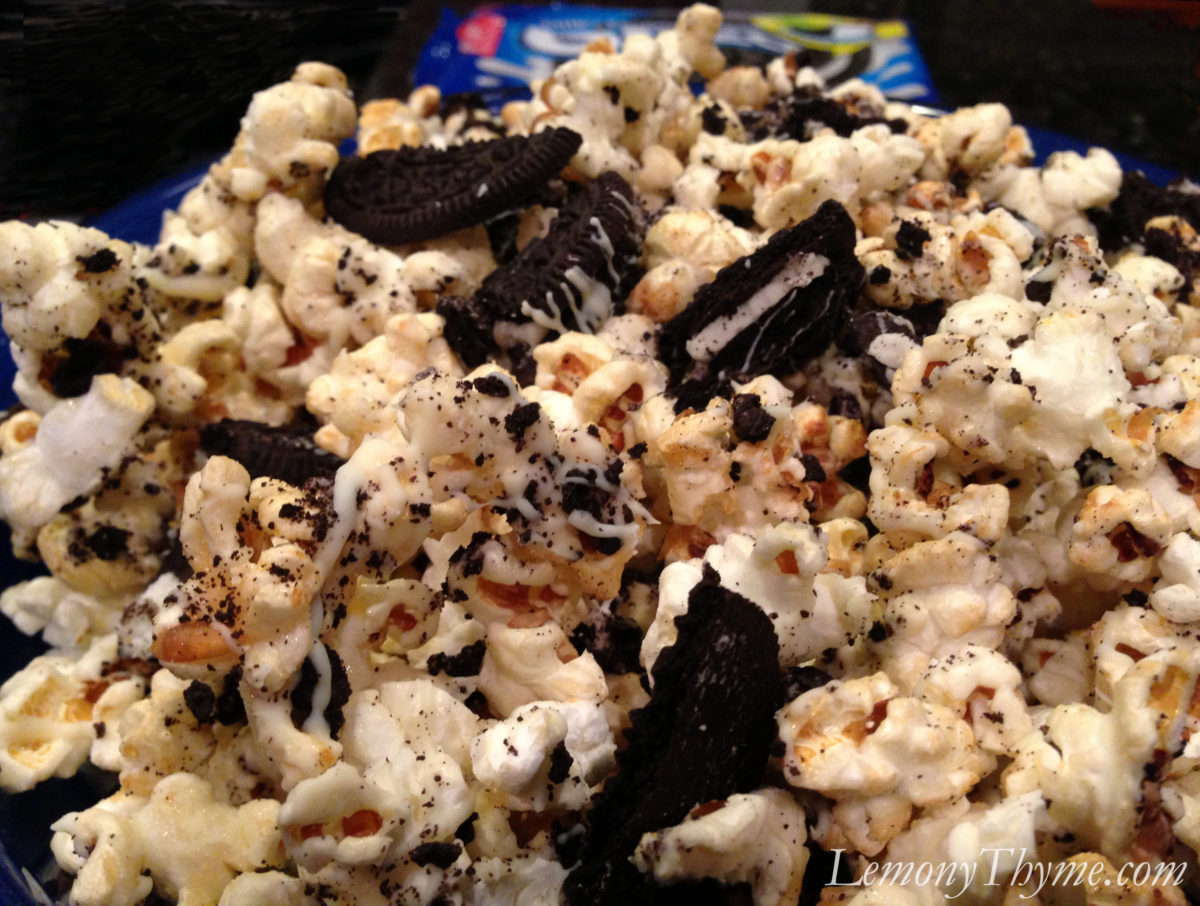 Cookies & Cream Gourmet Popcorn {Share the Love}