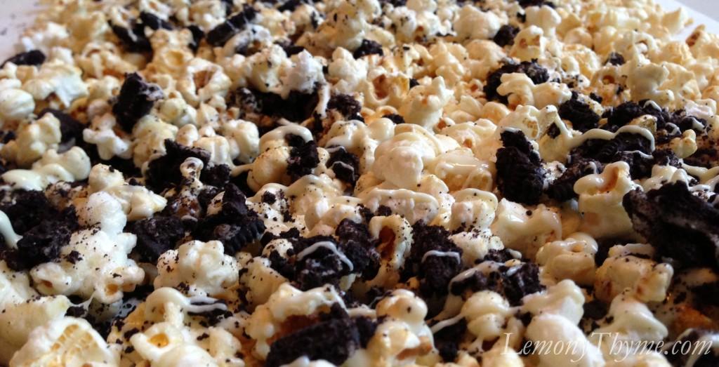 Cookies & Cream Gourmet Popcorn {Share the Love} Lemony Thyme