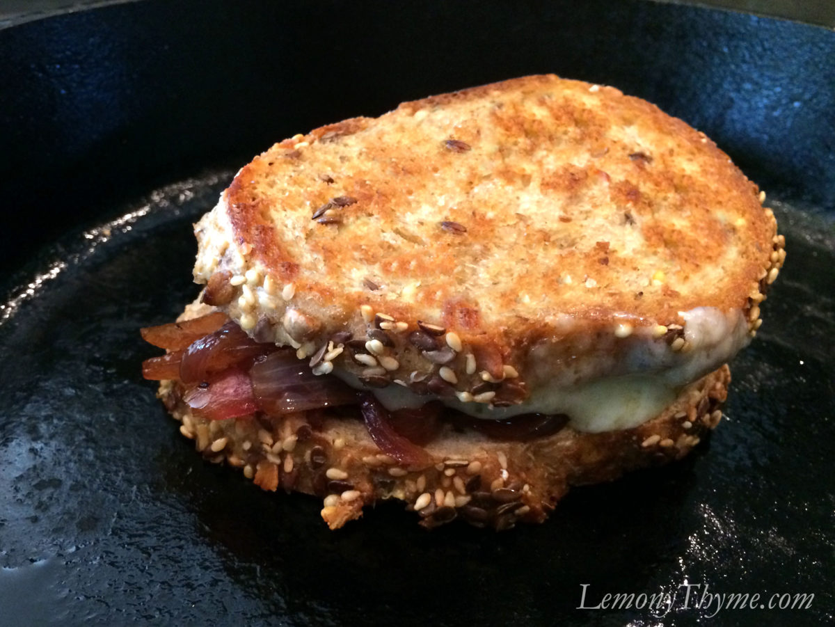This Blueberry Balsamic Red Onion & Gruyere Grilled Cheese Sandwich ...